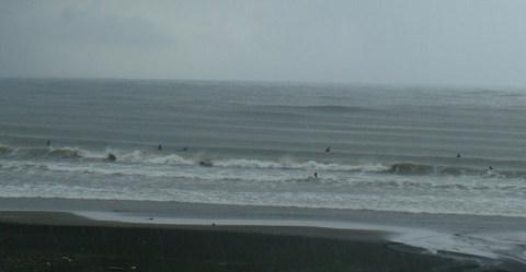 121023am-wave-rain.jpg
